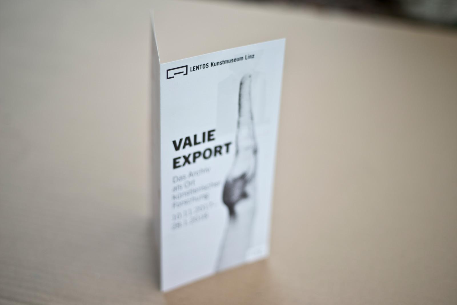 VALIE EXPORT – Ausstellungs Folder – LENTOS Kunstmuseum Linz © Martin Bruner Sombrero Design